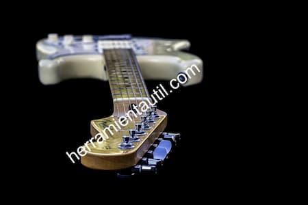 Programas Para Tocar La Guitarra Eléctrica En El Ordenador